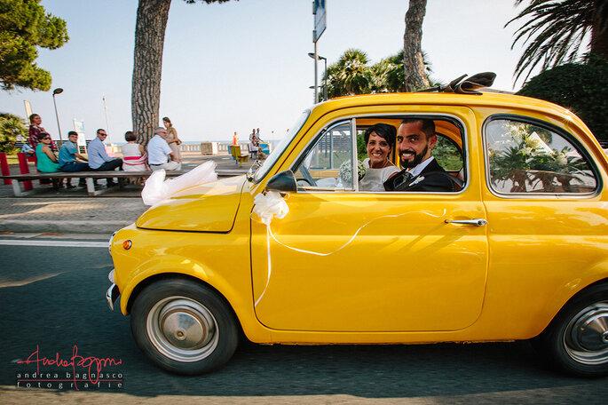 Partecipazioni Matrimonio Con Fiat 500.A Bordo Di Una 500 Gialla Il Matrimonio Di Carlotta E Dario