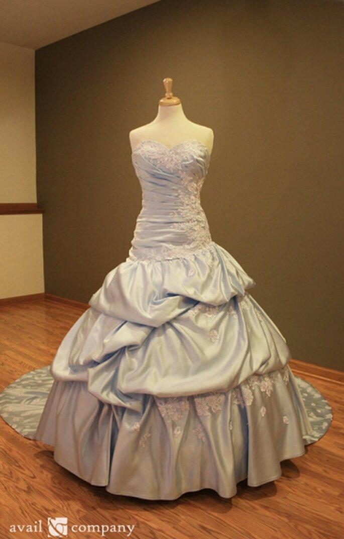 Vestido azul de novia por encargo inspirado en Cenicienta de Avail& Co. en Etsy