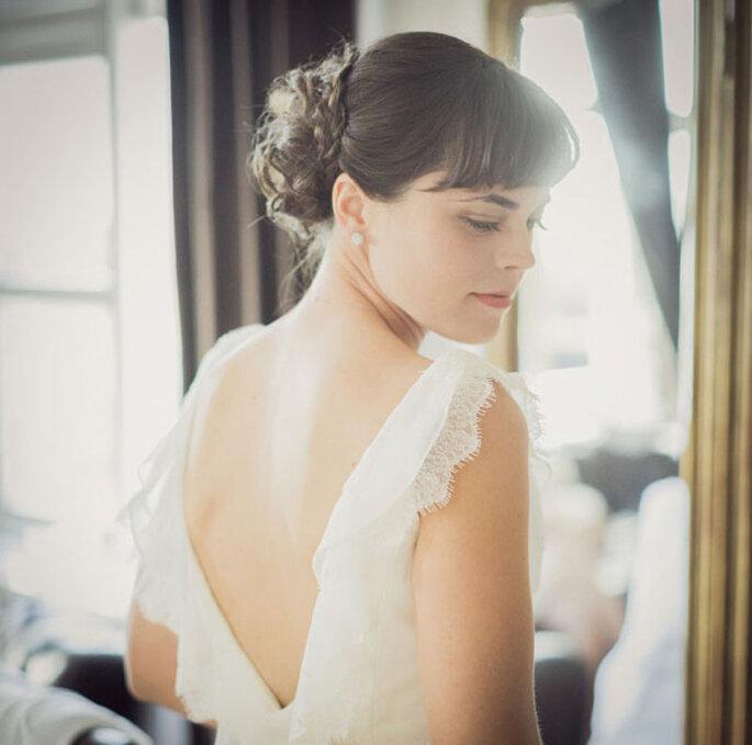 Peinado de novia con capul, recogido lateral medio