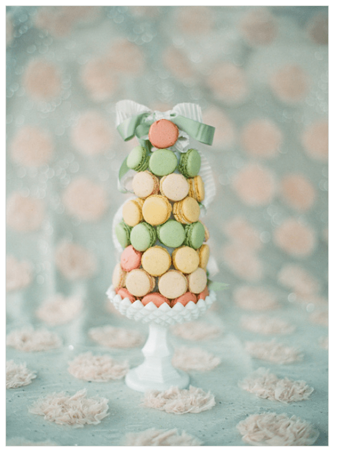 Macarons para el postre de tu boda - Foto Lauren Kinsey