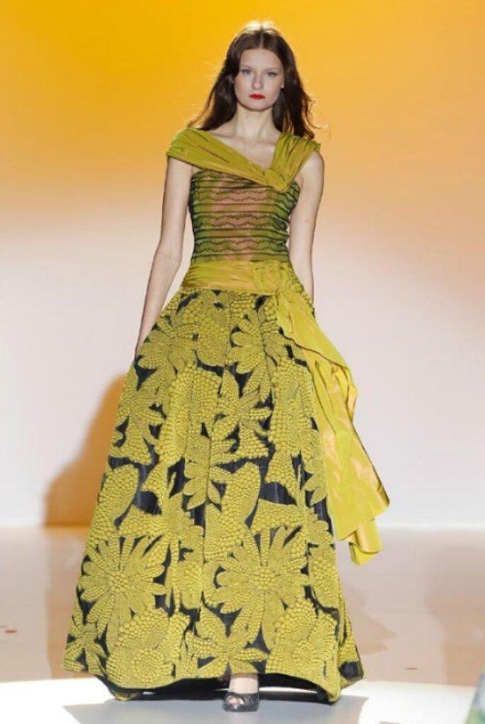 Farbiges Brautkleid von Ana Tores aus der Kollektion 2012