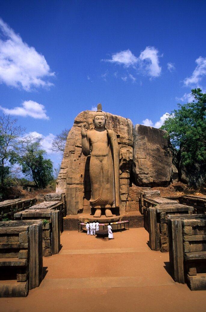 Photo : Sri Lanka Statue de Bouddha Aukana ©C.Aantill_Fotoseeker_OT Sri Lanka