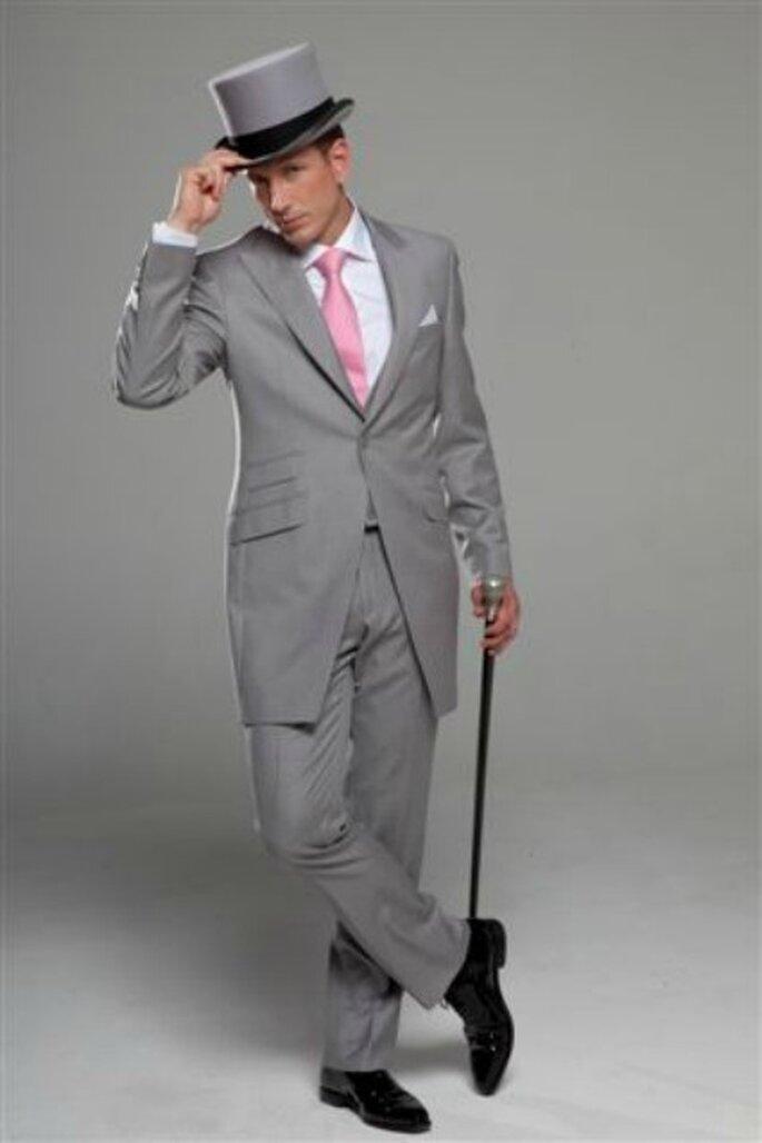 Costume de marié sur mesure raffiné et élégant - Photo : Kees Van Beers