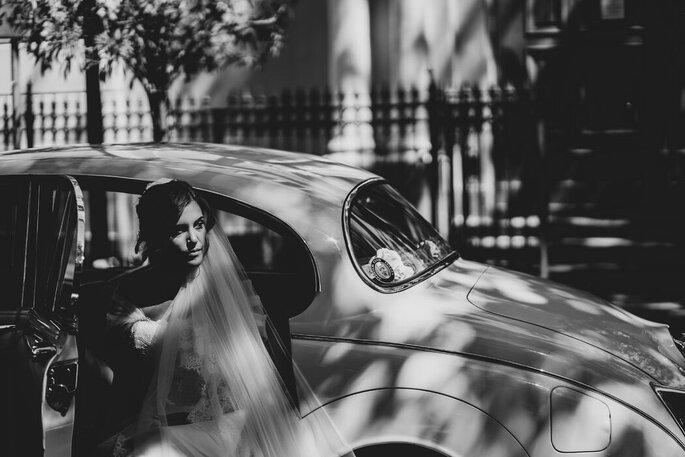 Marco Fardello Fotografo - sposa macchina bianco e nero