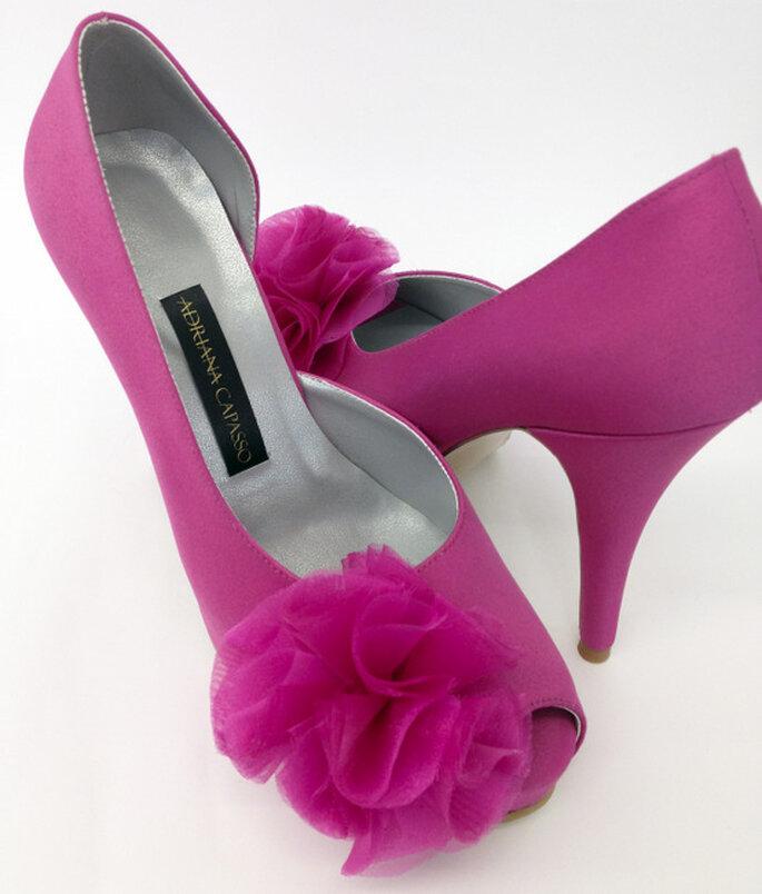 Zapatos semicerrados en rosa intenso. Foto: http://adriana-capasso.tumblr.com
