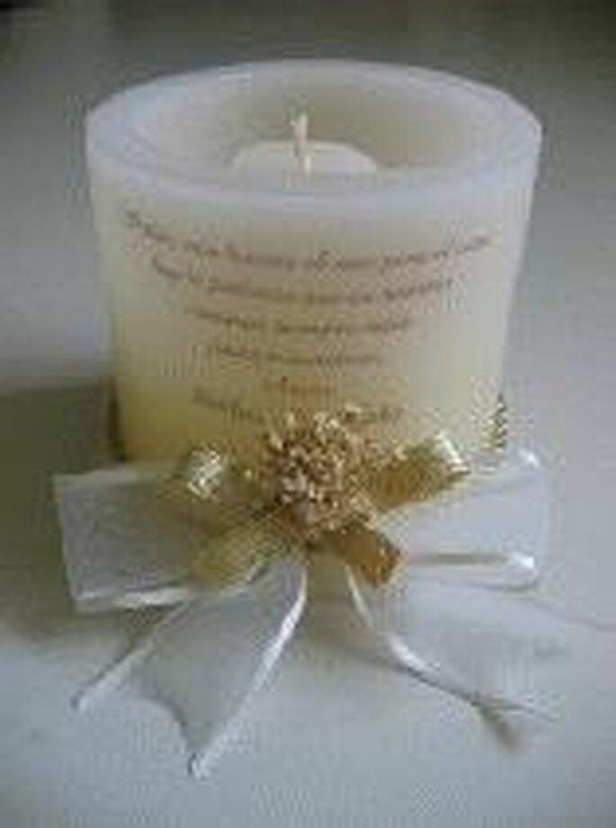 Bougie souvenir avec inscription et noeuds décoratifs