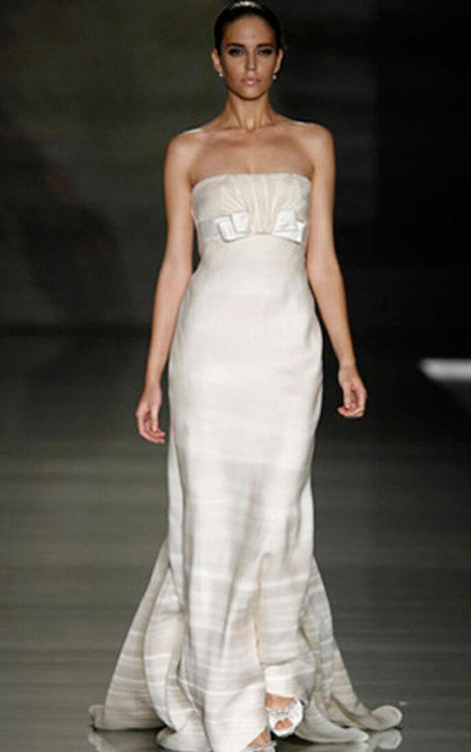 412c8db61d286 Abiti da sposa 2010 Valentino per Pronovias
