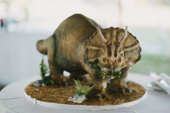 Wedding cake a forma di dinosauro. Foto: Alexandra Roberts