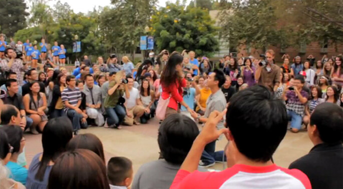 Propuesta de matrimonio en una universidad - Foto: Video oficial de Trang and Nam Proposal
