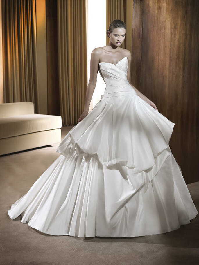 Feria - Ball Gown Collections Pronovias 2011