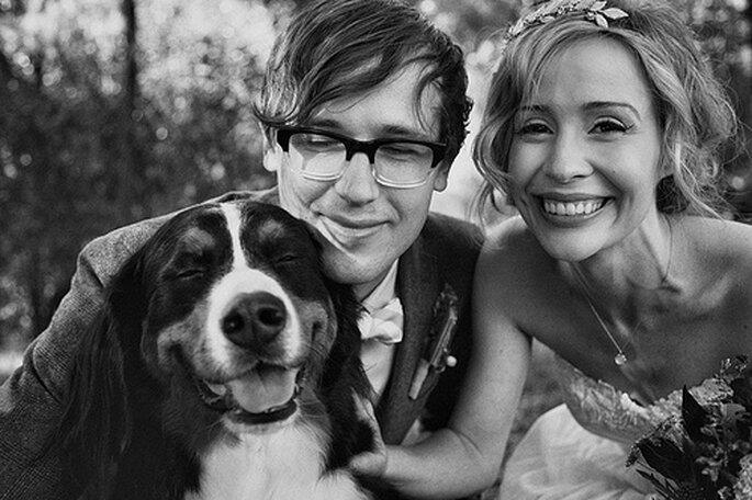 Los mejores amigos del hombre, también en tu boda. Foto de One Love Photo