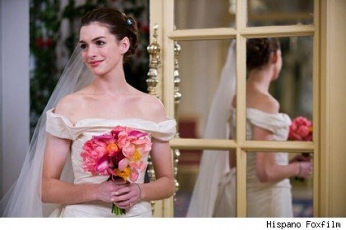 """Anne Hathaway en """"Guerra de novias"""". Foto de 20th Century Fox.     Anne Hathaway en """"Guerra de novias"""". Foto de 20th Century Fox."""