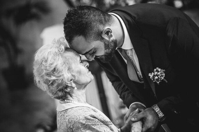 Foto bianco e nero con la nonna nel giorno delle nozze