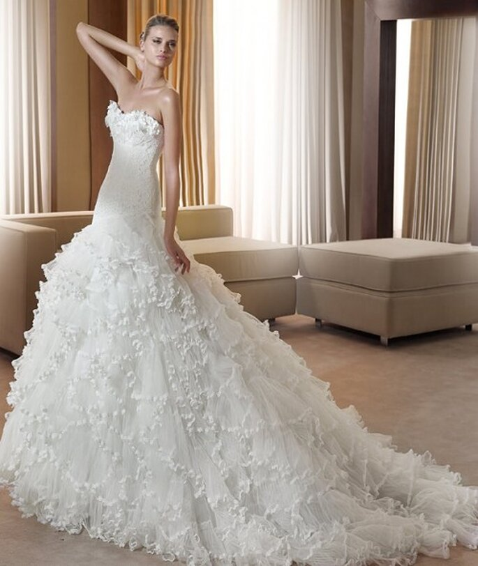 Vestido de noiva com cauda - modelo Fantastica, Pronovias 2011