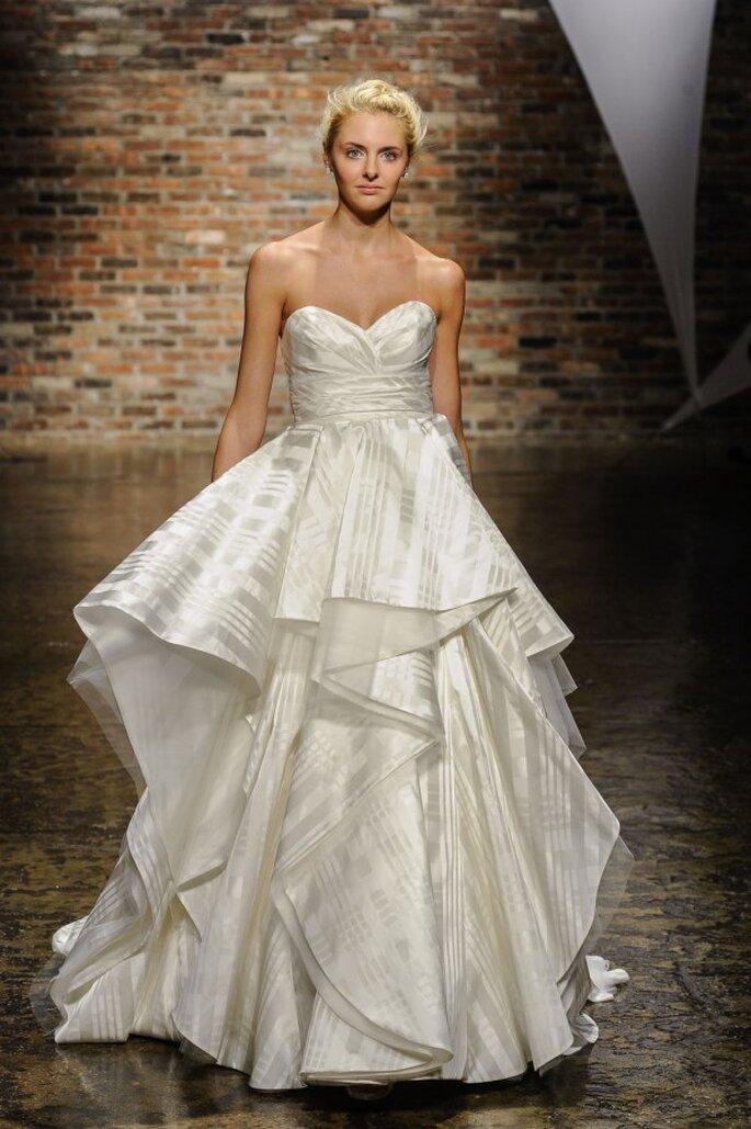 Vestido para novia romántica con escote corazón - Foto Hailey Paige
