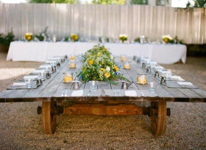 Elige una mesa rectangular y decórala con un montaje inspirado en tu estilo - Foto Sylvie Gil