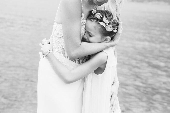 Lisa Bolognani - abbraccio con damigella