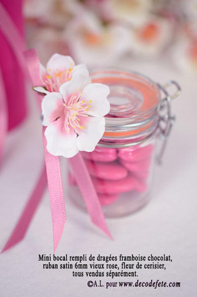 Ornez vos boites à dragées de fleurs ! - Source : decodefete.com
