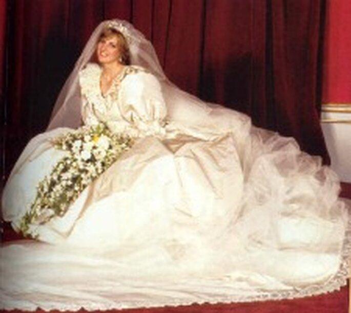 La princesa Diana llevó un vestido de David and Elizabeth Emanuel en su boda en 1981