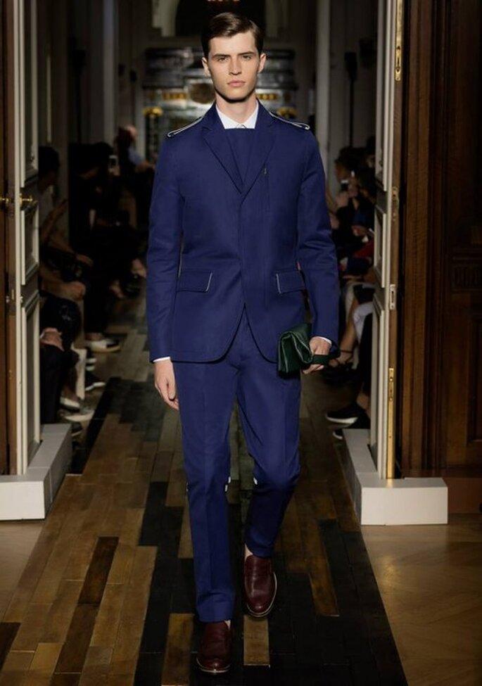 Traje de novio con estilo militar para 2014 - Foto Valentino