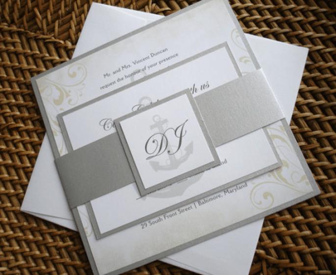 Invitaciones de boda en colores metálicos - Foto Etsy