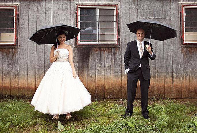 Pour une cérémonie laïque en plein air, parez à l'éventualité d'une météo capricieuse - Photo : Sarah Culver