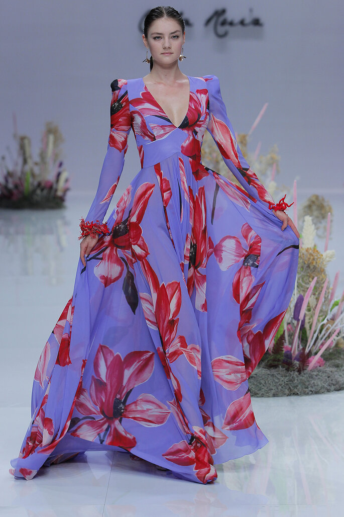 Vestido de fiesta estampado con maxi flores y falda con volumen