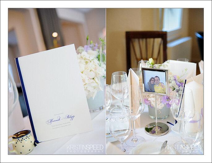 Combinación de flores de color con los demás detalles de la decoración de las mesas. Foto: Kristin Speed