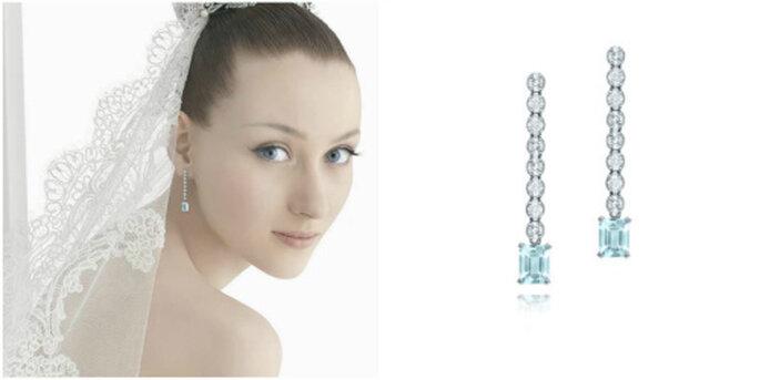 """Boucles d'oreille longues """"Gaia"""" avec des diamants et des aigue-marines. Photo: Rosa Clará"""