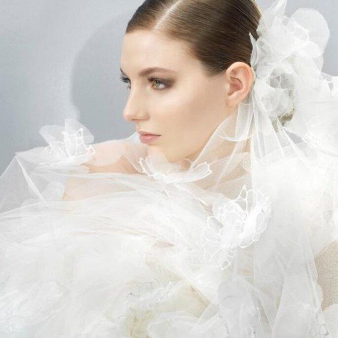 Hermoso velo de novia 2013 hecho de tu con flor - Foto Jesús Peiró Facebook