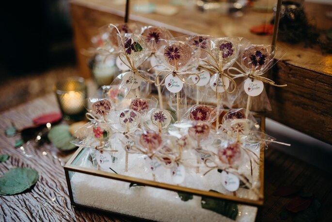 Pirulitos artesanais com flores