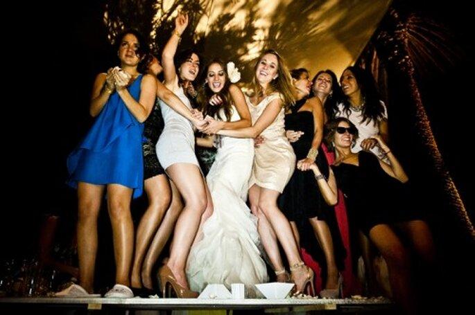 Foto con tus mejores amigas en la recepción de boda - Foto Fernando García