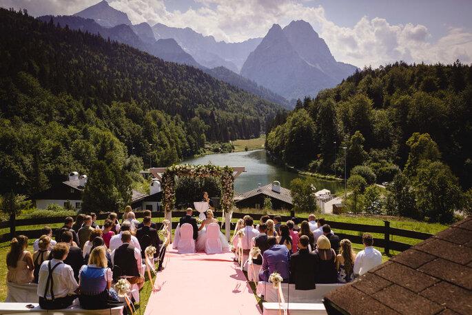 Eine kleine Hochzeit feiern, Hochzeitslocation am See