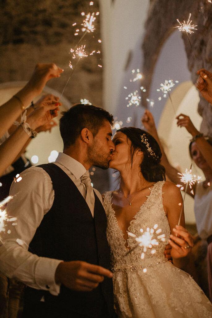 Brautpaar mit Wunderkerzen