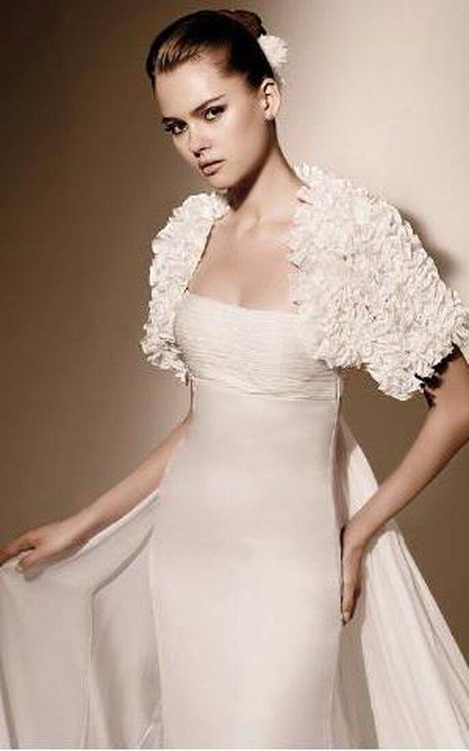 32ba475cc84d Vestiti da sposa lisci Valentino Sposa 2010