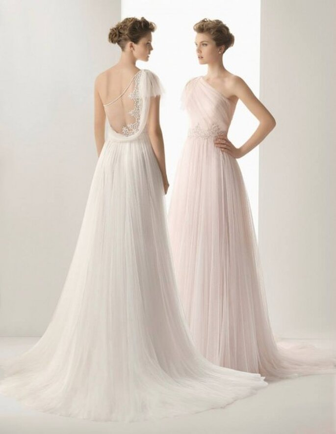 Vestidos de novia 2014 confeccionados en tul de seda con pedrería en color natural y rosa pastel - Foto Rosa Clará