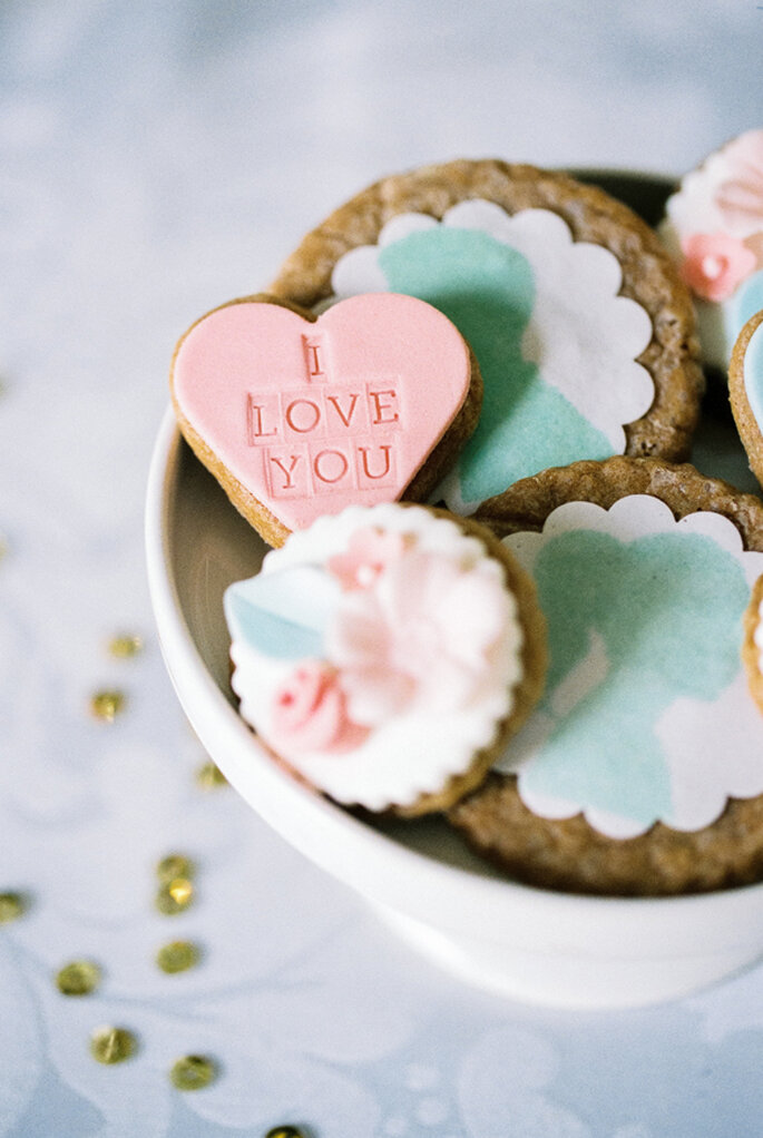 Consiente a tus invitados de boda con unas deliciosas galletas - Foto Branco Prata