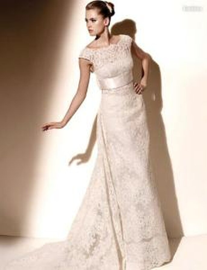 Valentino 2010 - Eurídice, vestido largo en encaje, ajustado, manga corta caída
