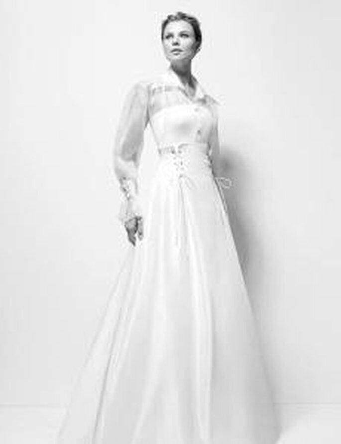 Karl Lagerfeld 2010 - Xiomara, blusa en organza de seda con falda de tafetán y viso de organza