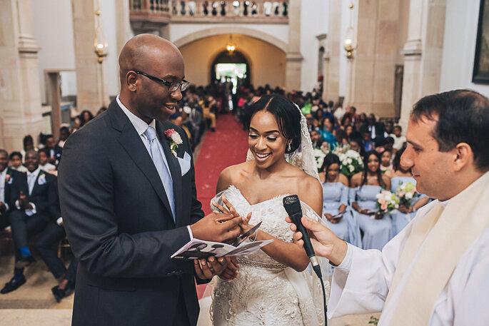 como escolher padre casamento católico