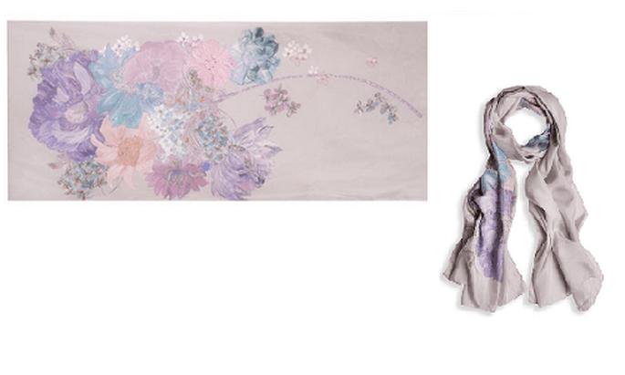 Un pañuelo dará elegancia y sofisticación a tu imagen. Foto: Liberty.