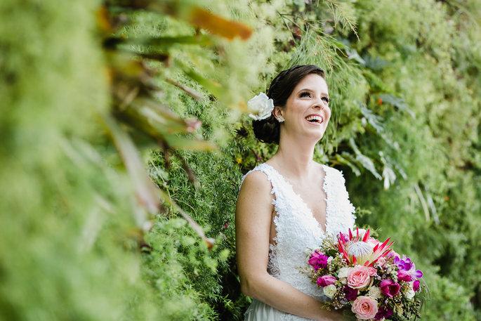 Buquê de noiva redondo colorido