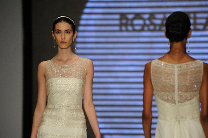 Molti abiti illuminati da strass e cristalli nella Collezione Rosa Clará 2014. Foto: Rosa Clará. Facebook.