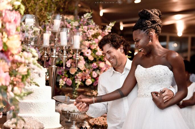 5e1d66d46a Casamento clássico de Rojane   German  noiva lindíssima e decoração ...