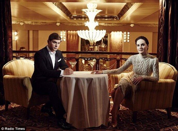 Luce elegante con tu prometido en una sesión de fotos preboda estilo Art Deco - Foto Radio Times