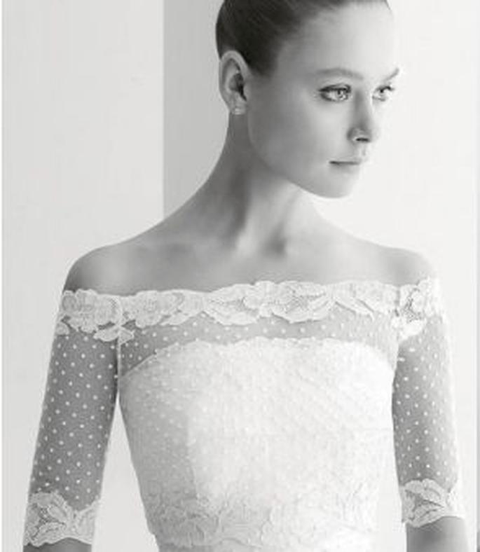 Detalle de bolero de novia de encaje