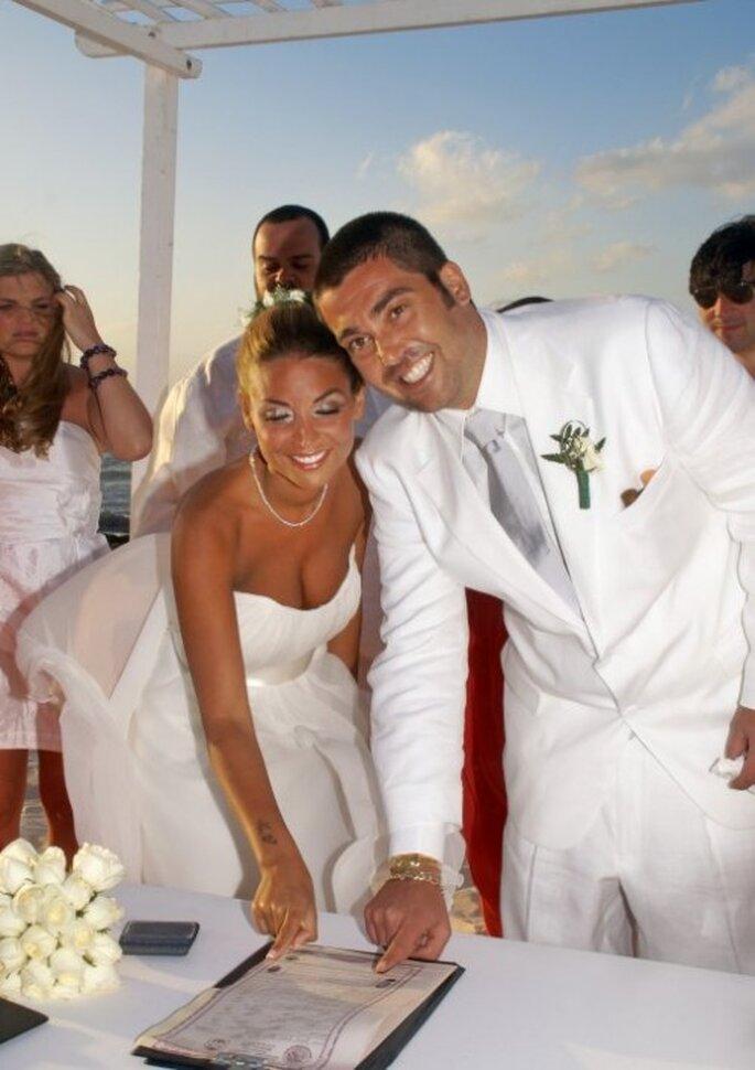 Ceremonia civil para realizar boda en la playa. Foto de Ivana Lo Cascio