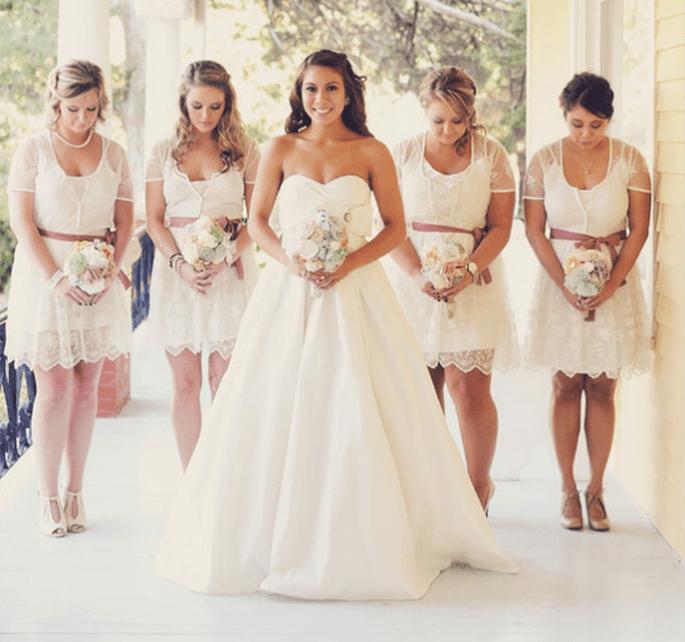 Vestidos para damas de boda con encaje - Foto Celestial Events