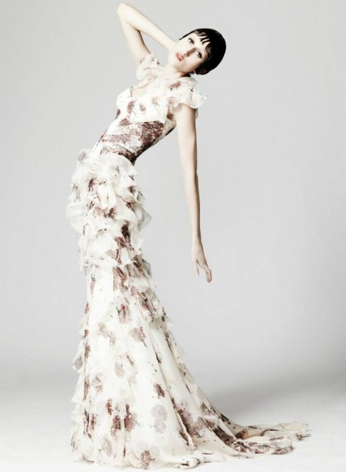 Vestido de fiesta largo en color desnudo y estampado de flores - Foto Zac Posen