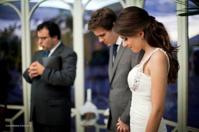 Gli sposi possono fare un rapido discorso che simbolizzi e ufficializzi l'imminente matrimonio. Foto: Carol Mattos